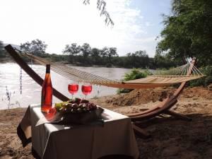 safari kenya accomodation loyk camp 2