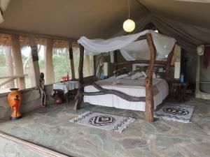 safari kenya accomodation loyk camp