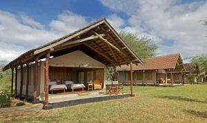 safari-kenya-accomodation-ashnil-aruba-camp